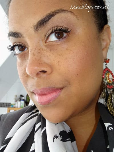 Etos hydraterende foundation: Moisture Care Make-up