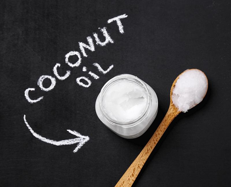 3 Manieren waarop je kokosolie als haarverzorging kunt gebruiken