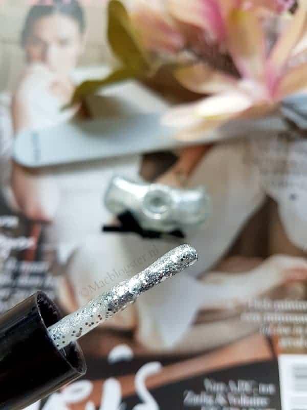Wow, deze zilver glitter nagellak lijkt op diamant!