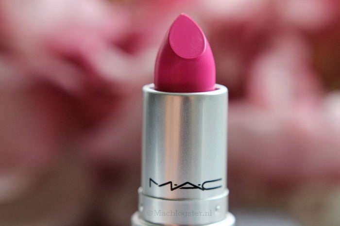 MAC lipstick: Candy Yum Yum