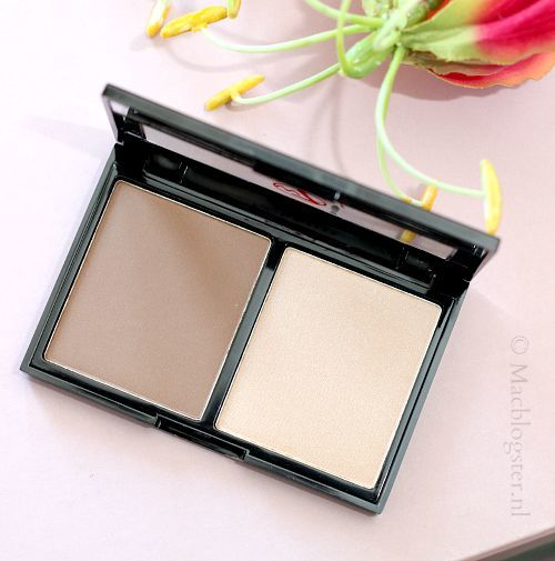 W7 Ebony make-up