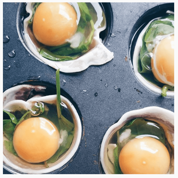 Ontbijten met ei en groenten: egg spek spinazie muffins
