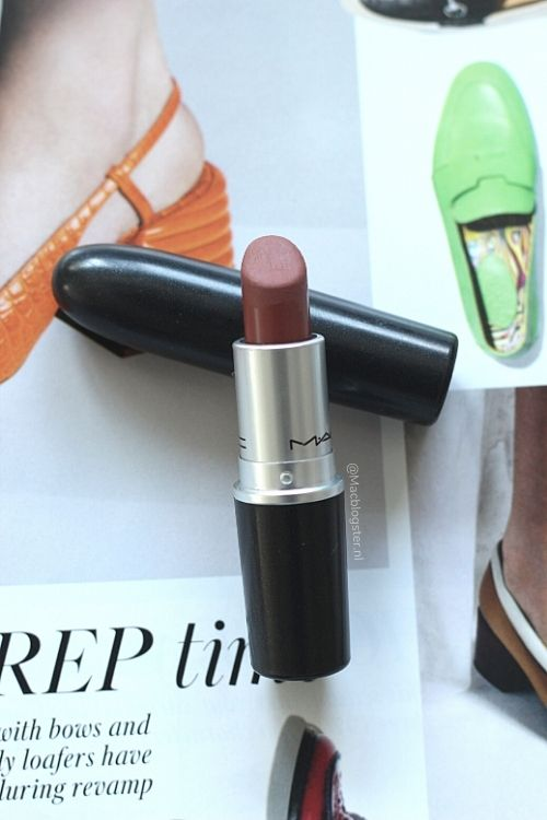 Review | MAC Taupe review vs Persistence: perfecte nude lipsticks voor Melanine Meisjes