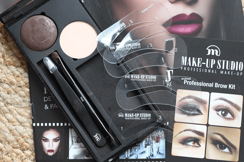 Brows on fleek met wenkbrauw kit van Makeup Studio