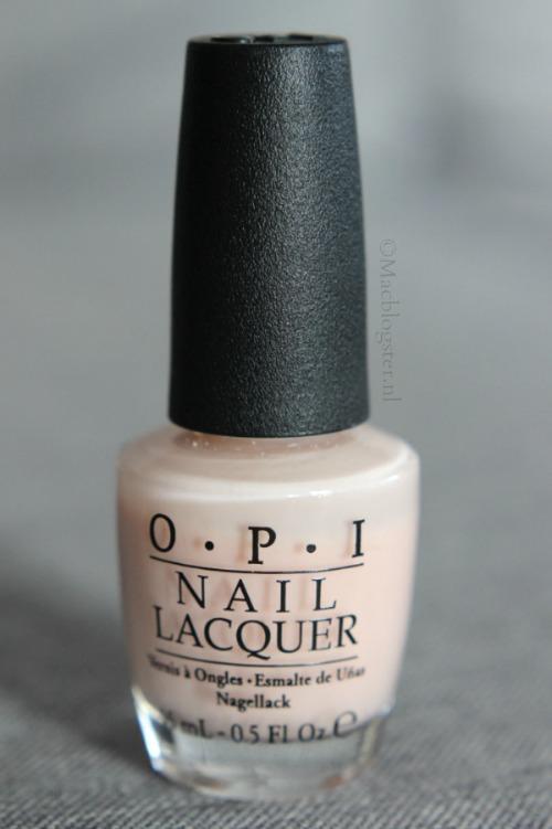 OPI Bubble Bath review + swatches: de perfecte nude nails
