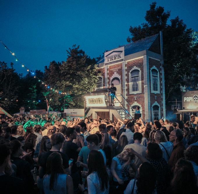 WIN: verjaardagfeest @ Festival TREK
