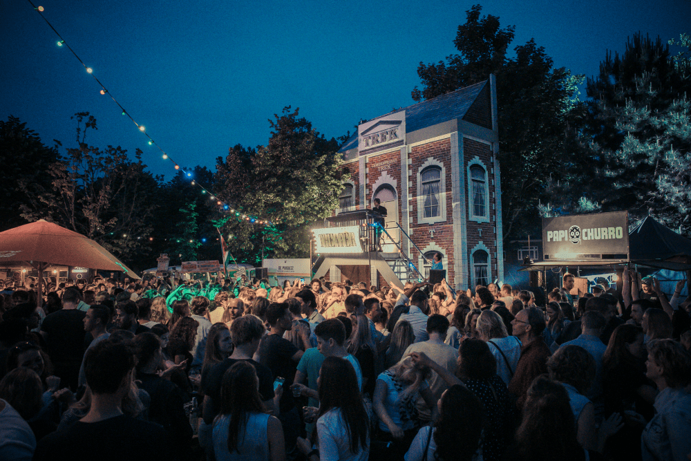 WIN: verjaardagfeest @ Festival TREK