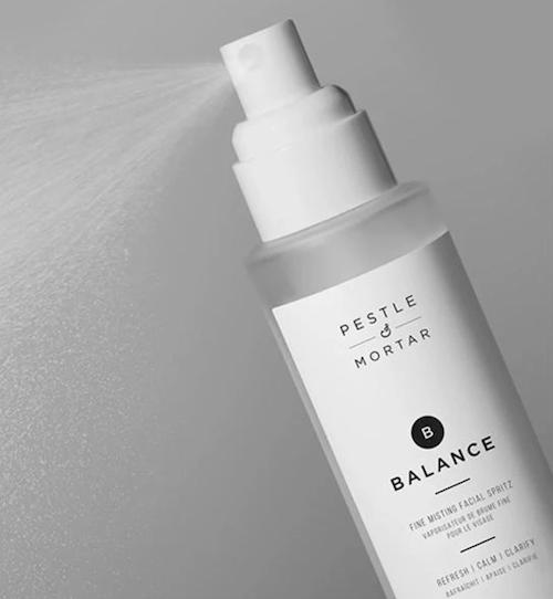 Pestle & Mortar Balance Facial Spritz tegen een grauwe huid
